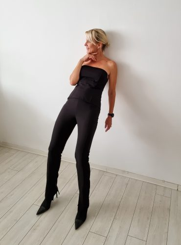 Slim pants with side slits and corset top